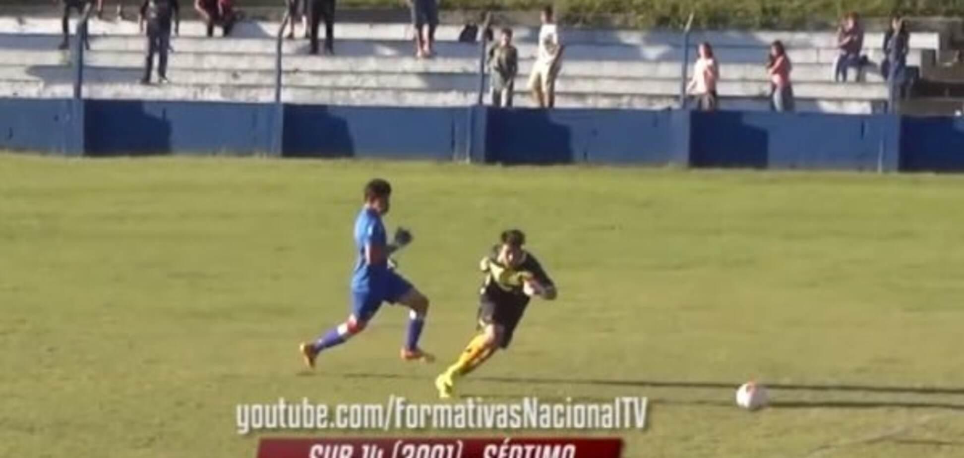 Фантастика! Уругвайский вратарь забил гол, пробежав с мячем все поле: видео шедевра