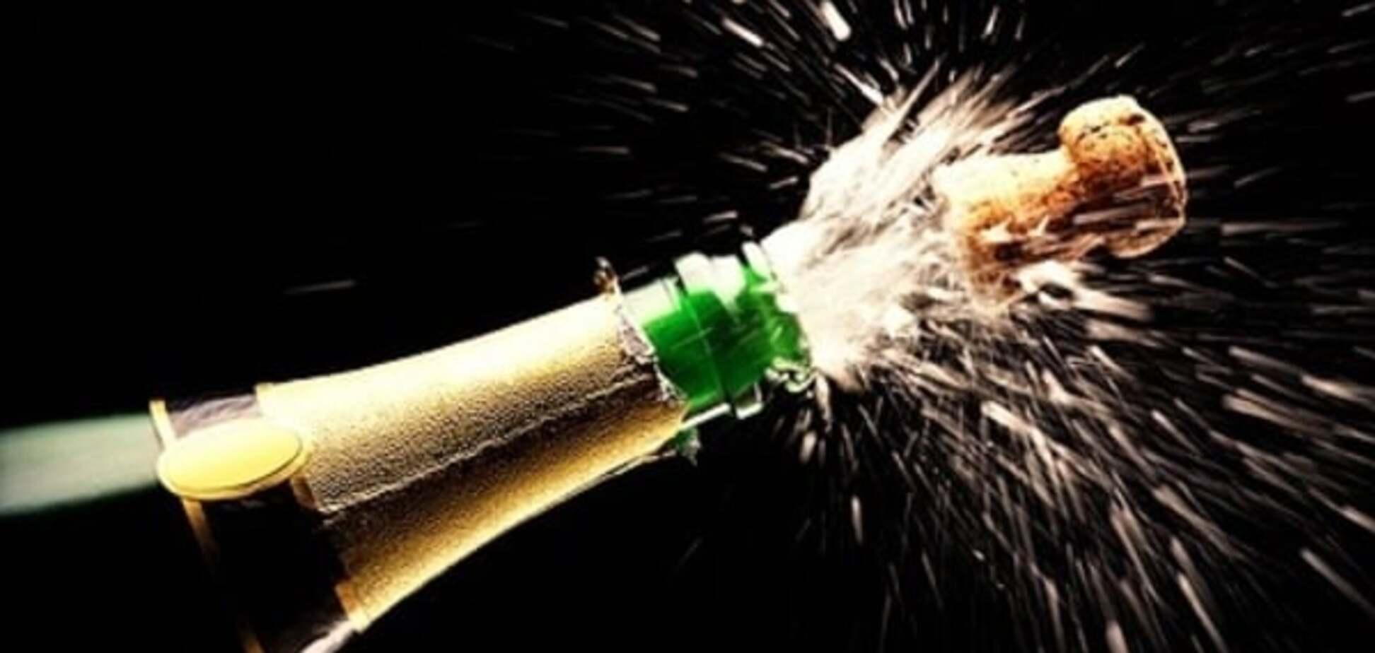 Російська школярка вкрала ящик шампанського 'на опохмел'