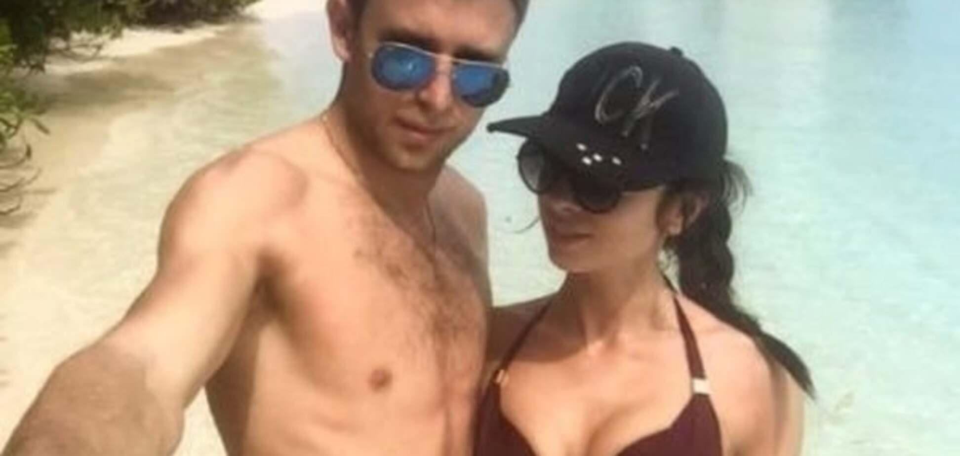Жаркие Мальдивы. Хачериди и Кравец похвастались своими женами в бикини: яркие фото