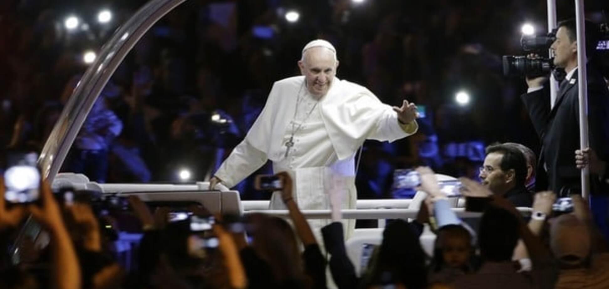 Год Папы Франциска: о рабах компьютера, 'сладких' коррупционерах и святых грешниках