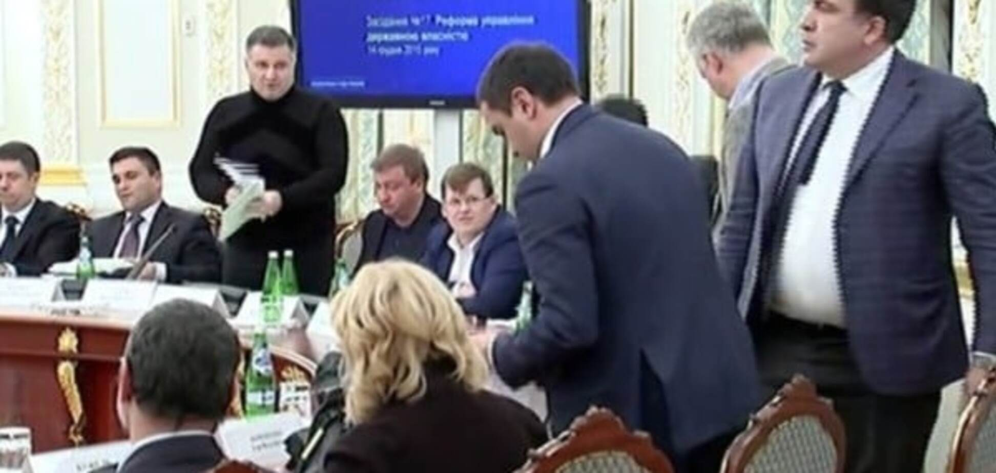 Яценюк и Аваков четко демонстрируют: революция закончилась, нечего менять - Боровой