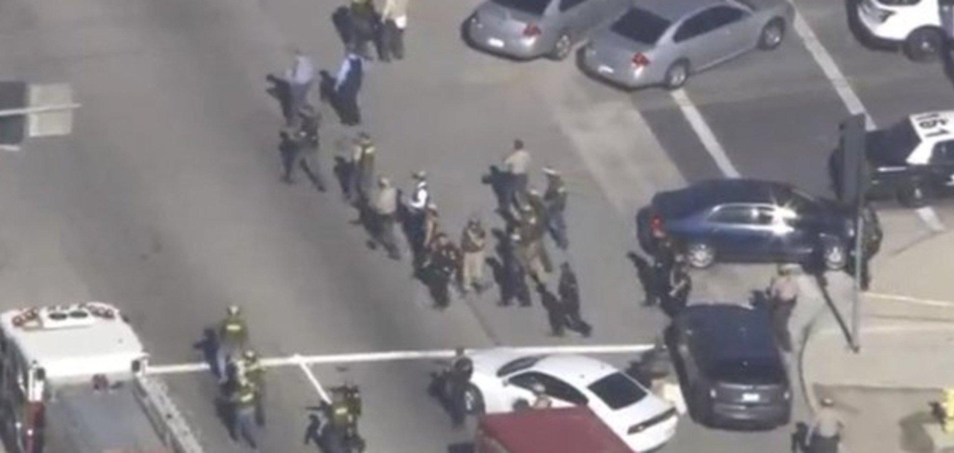 Розстріл у Каліфорнії: злочинці могли бути одягнені у військову форму