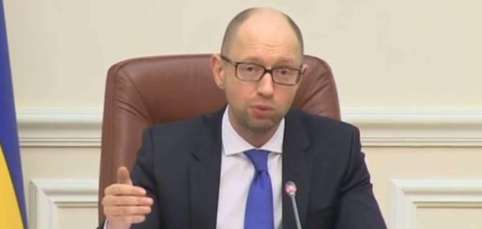 Яценюк хоче реагувати на кожне рішення Росії торговими санкціями