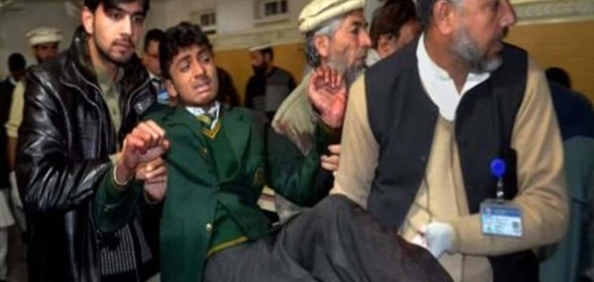 У Пакистані повішали чотирьох бойовиків, причетних до нападу на школу в Пешаварі