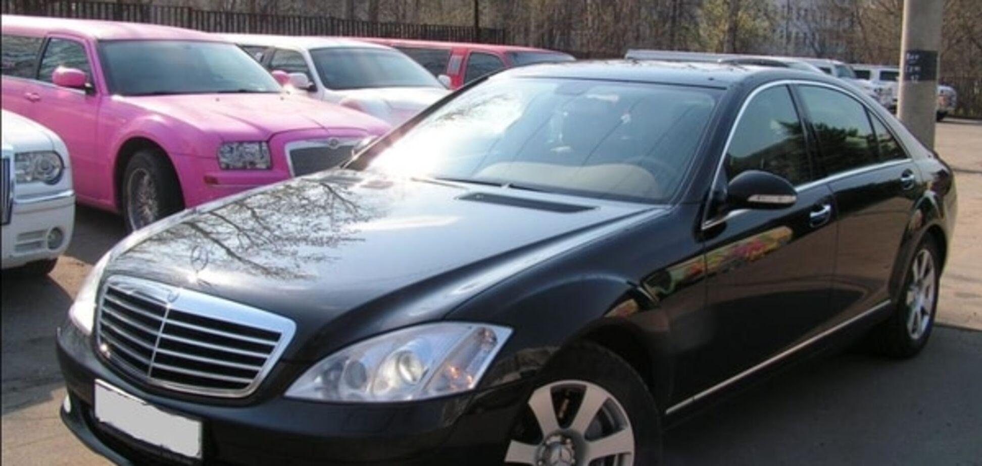 Криза настає: українці масово розпродають VIP-автомобілі