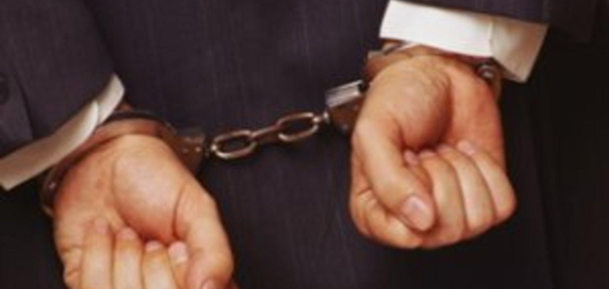 Юрист 'сім'ї' Януковича обслуговує затриманих одеських банкірів - ЗМІ