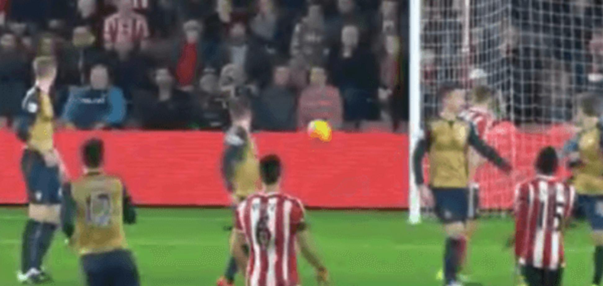 Гол місяці. В Англії футболіст забив фантастичний м'яч 'шведкою': відео шедевра