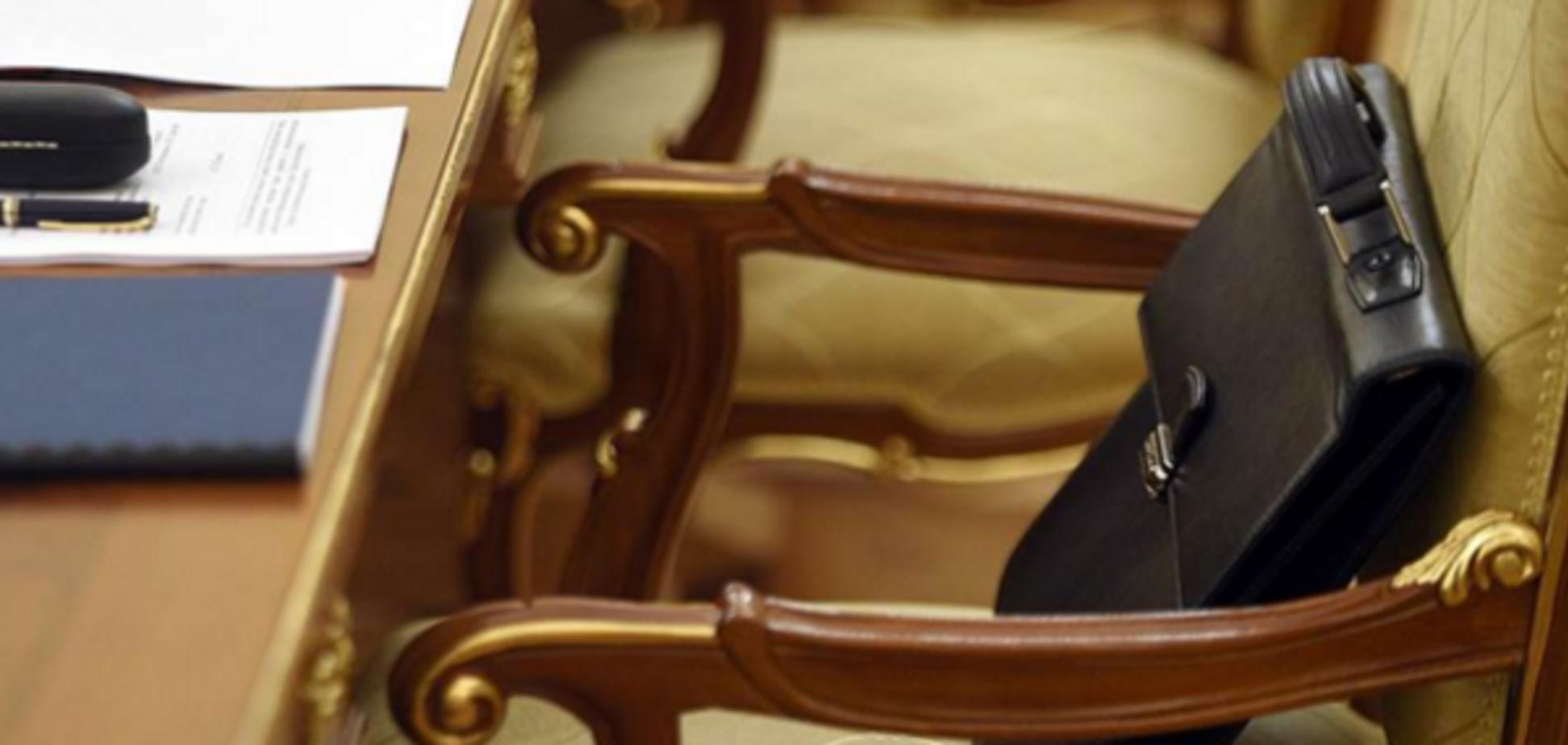 Перший пішов: міністр Яценюка подав у відставку
