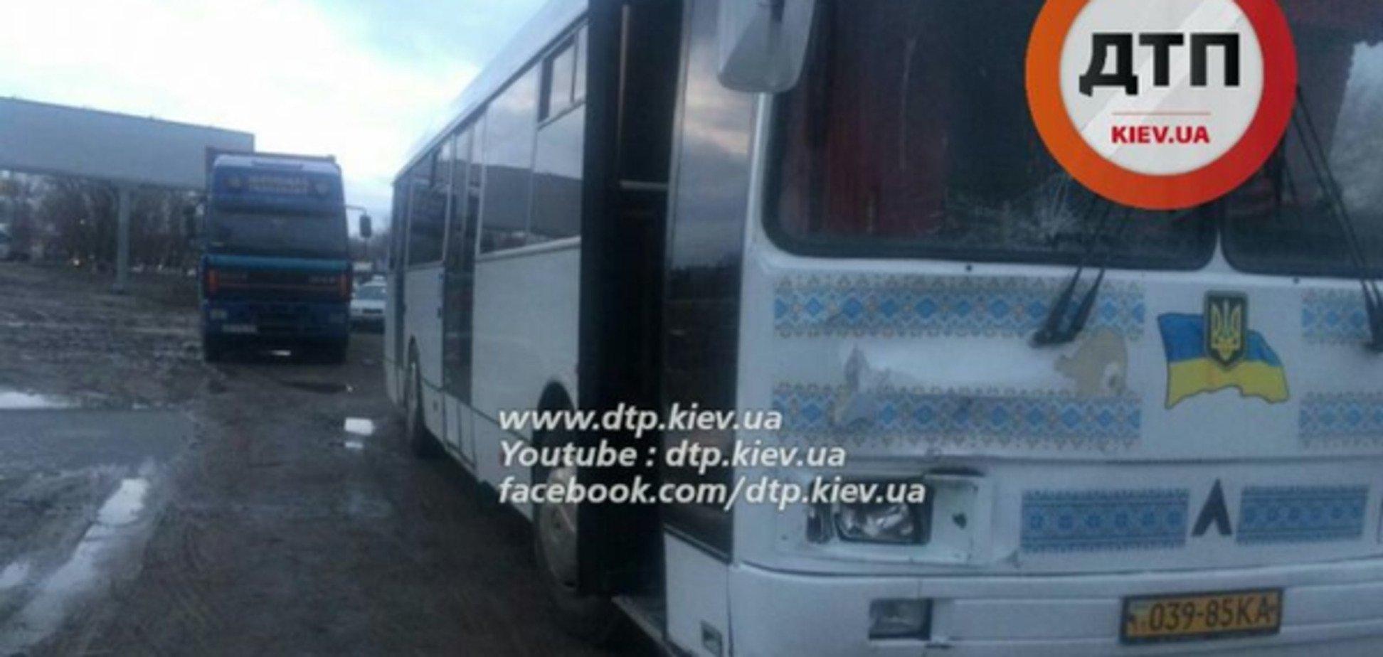 У Києві автобус збив на смерть пішохода-порушника
