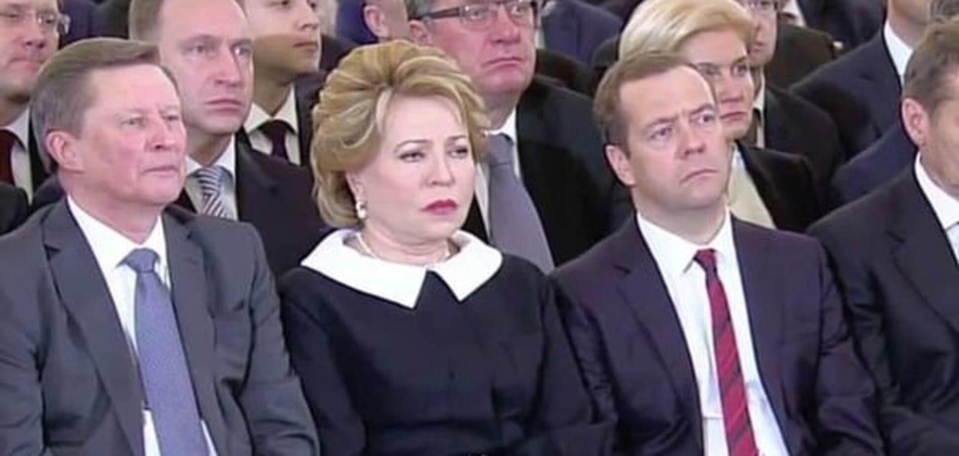Медведєв і Ко зробили 'траурні' обличчя під час виступу Путіна: фотофакт