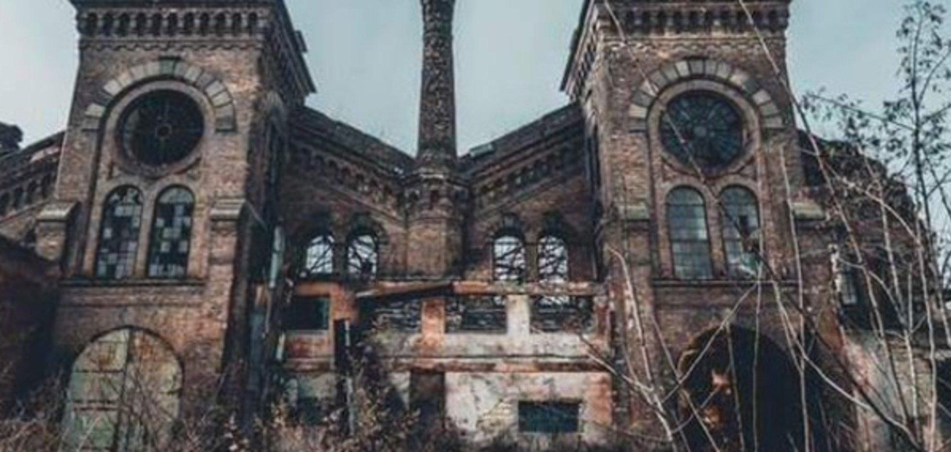 'Прощавай, Хогвартс': одну з найкрасивіших будівель України 'пиляють на метал'