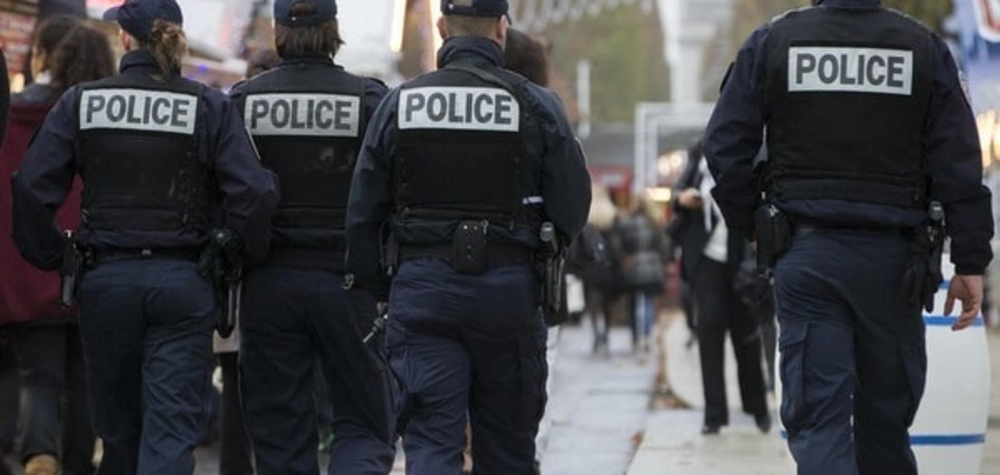 Теракти в Парижі: поліція шукає двох підозрюваних
