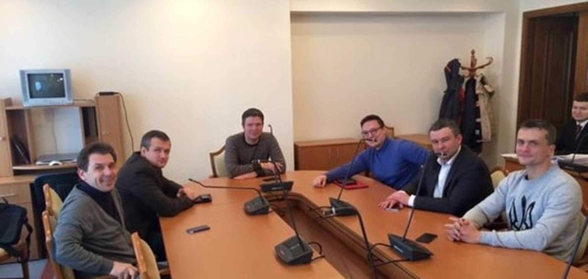 У Кривому Розі знову зірвали засідання комісії з розслідування фальсифікацій на виборах