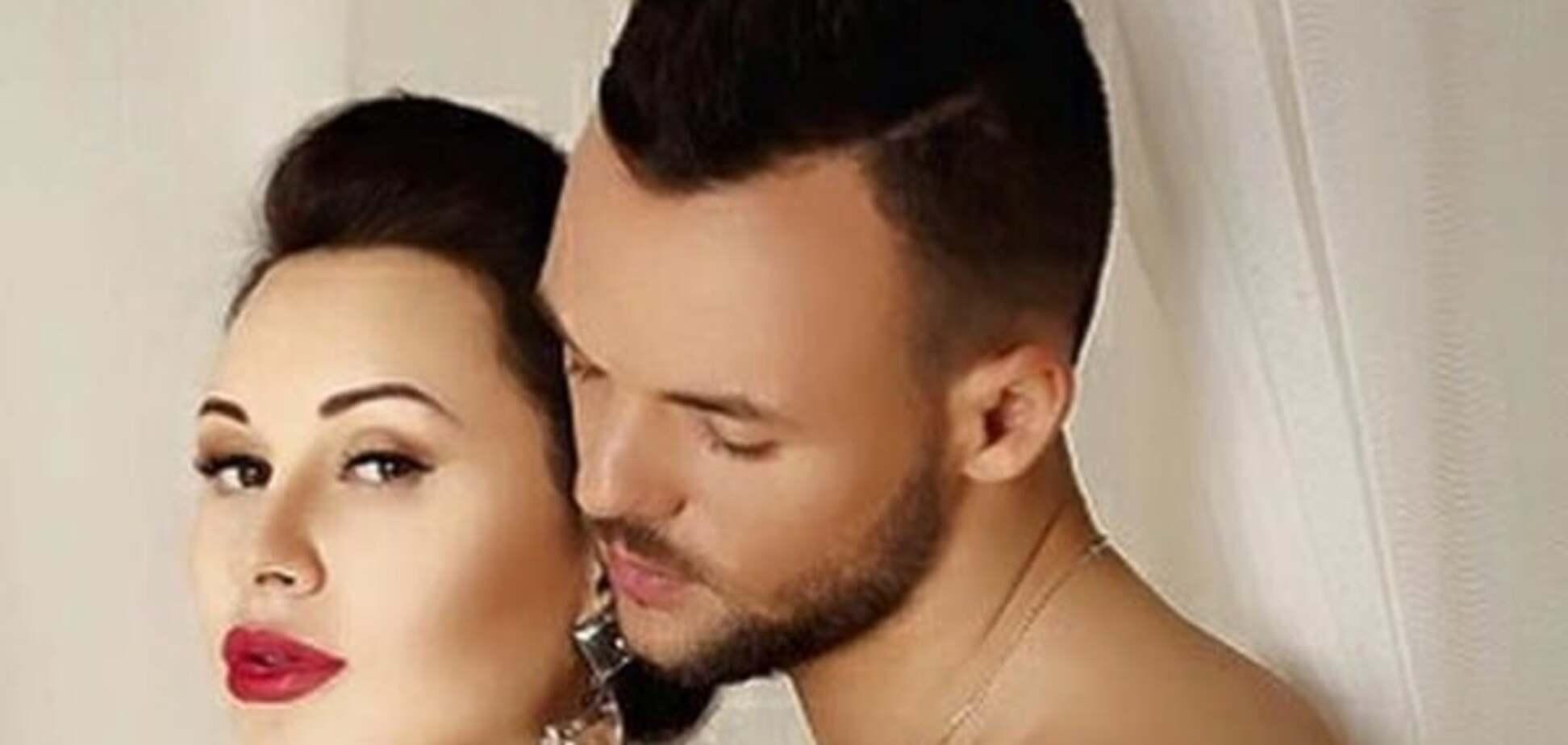Футболист 'Динамо' с женой снялись в эротической фотосессии