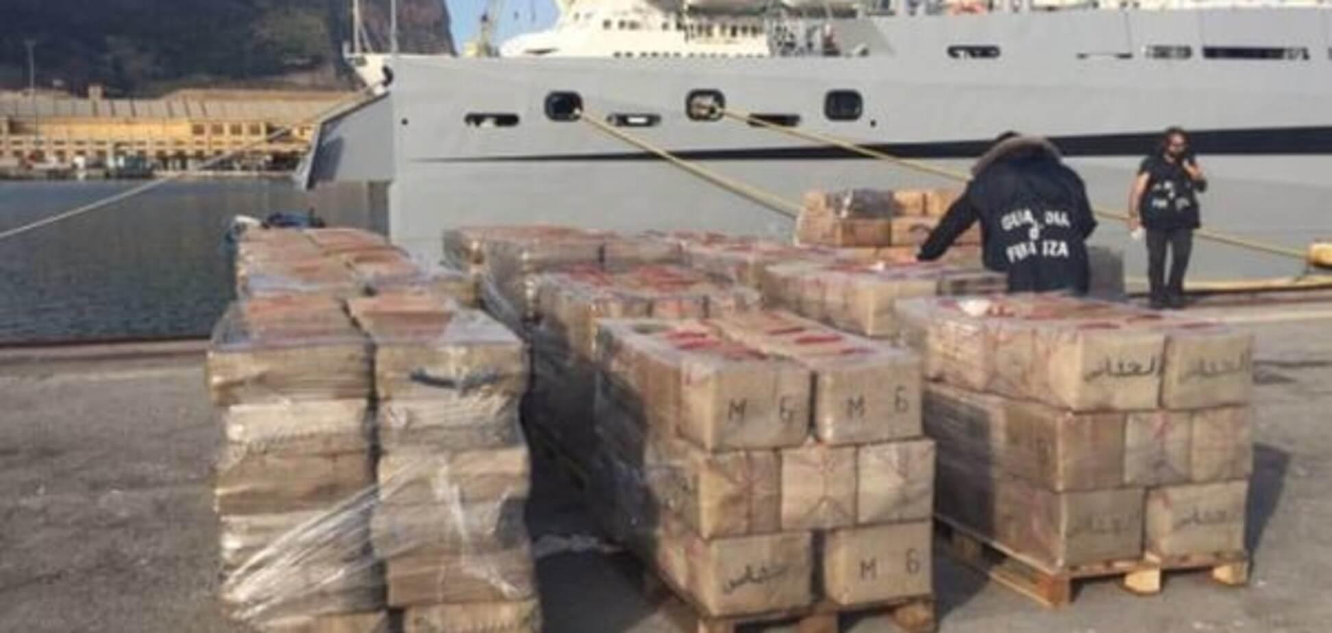 У берегов Италии задержали украинцев за контрабанду 13 тонн гашиша