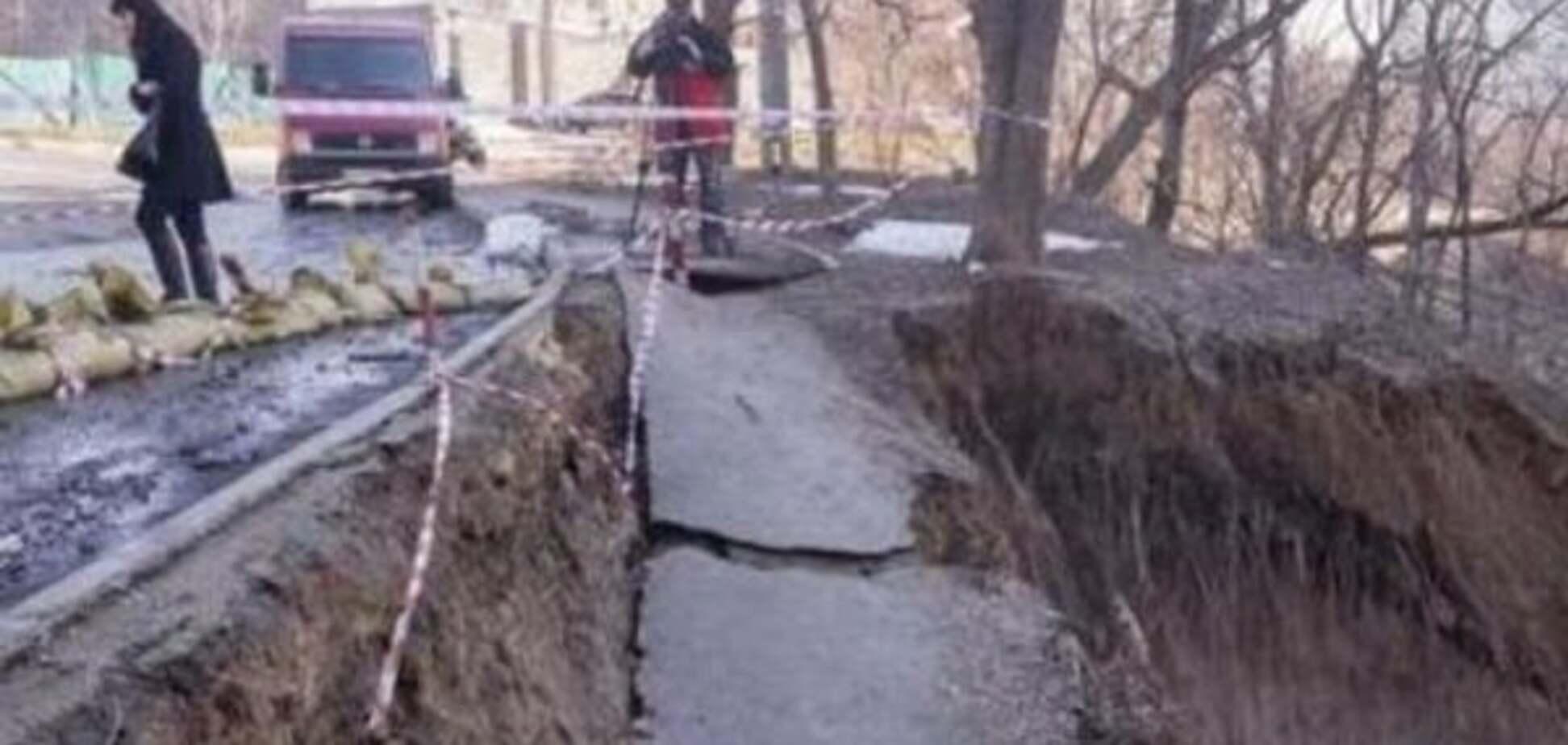 Сплошной провал: где в Киеве опасно из-за оползней