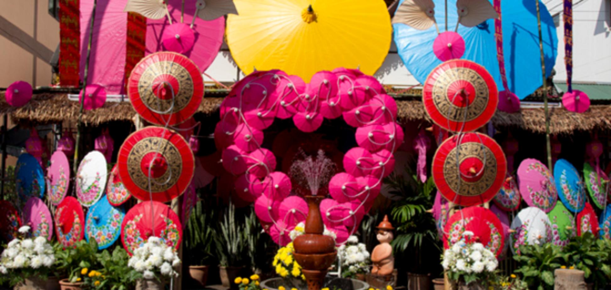 Юных тайцев попросили воздержаться от секса в День влюбленных