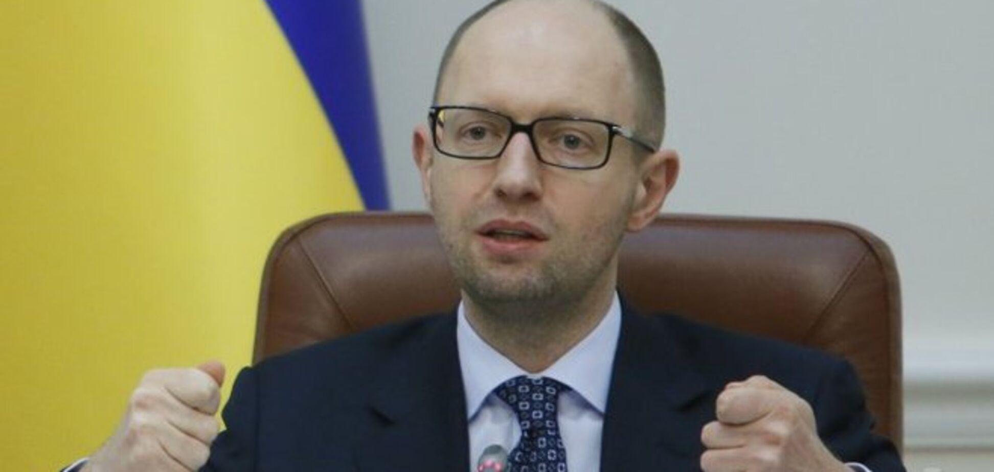 Яценюк обвинил коалицию в неработающей модели снижения ЕСВ и заявил о готовности её изменить
