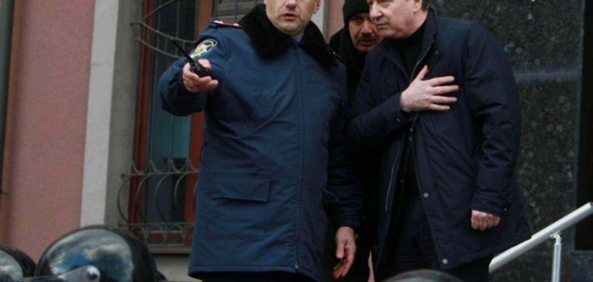 Из донецких СБУ и милиции на работу к террористам перешли тысячи сотрудников – прокурор