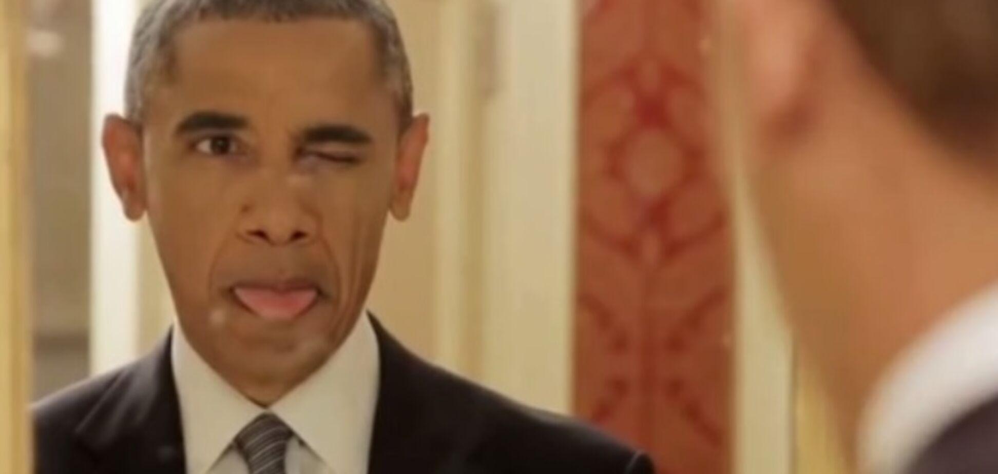 Обама покривлялся перед зеркалом, сделал селфи и нарисовал супругу. Видеофакт