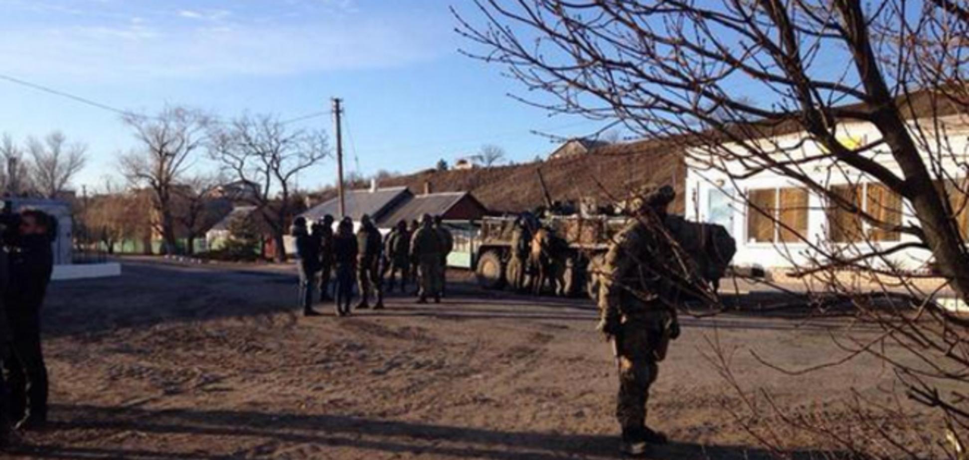 Западную часть Широкино удерживают бойцы АТО, а восточную боевики - журналист