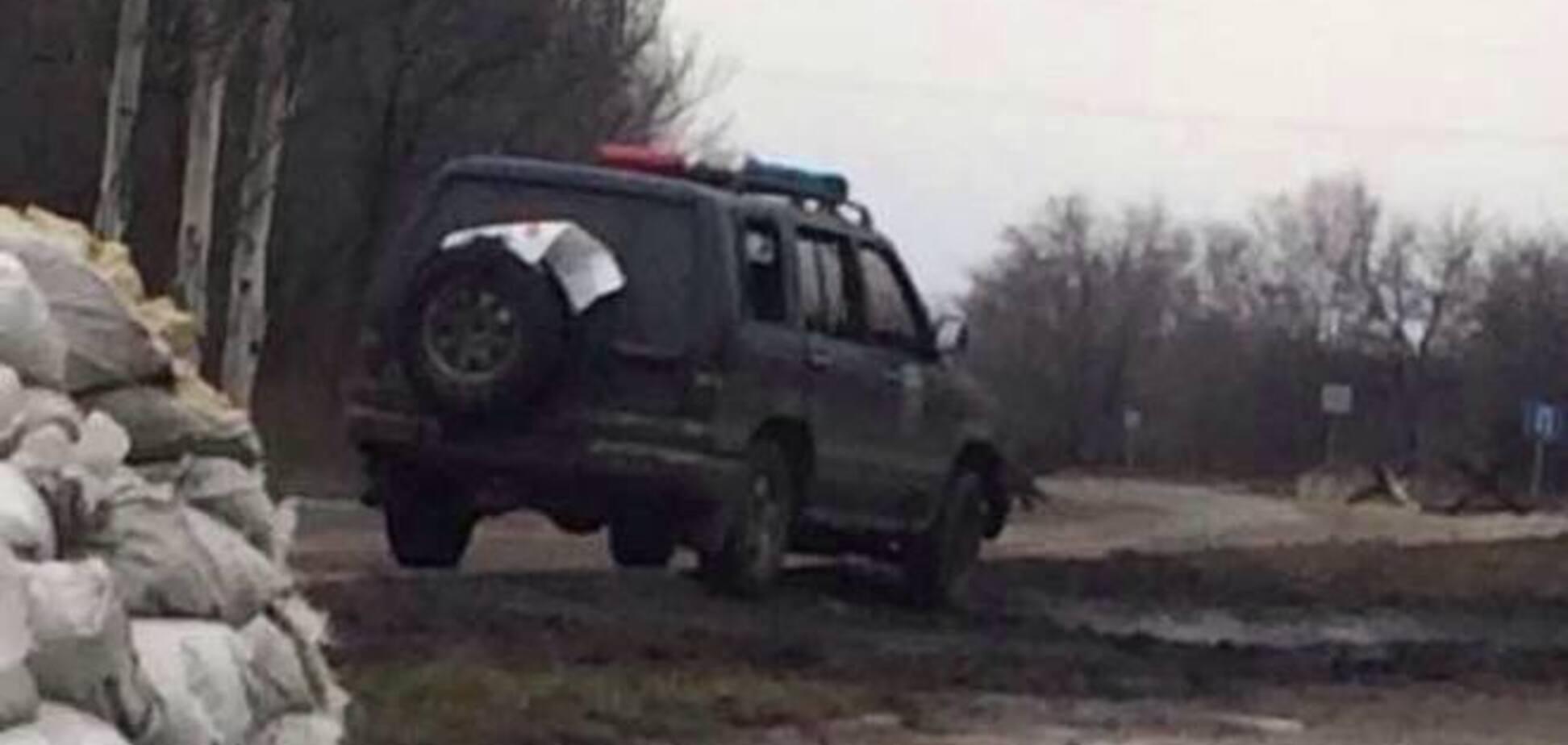 Донецкие партизаны расстреляли джип охраны Моторолы: фотофакт