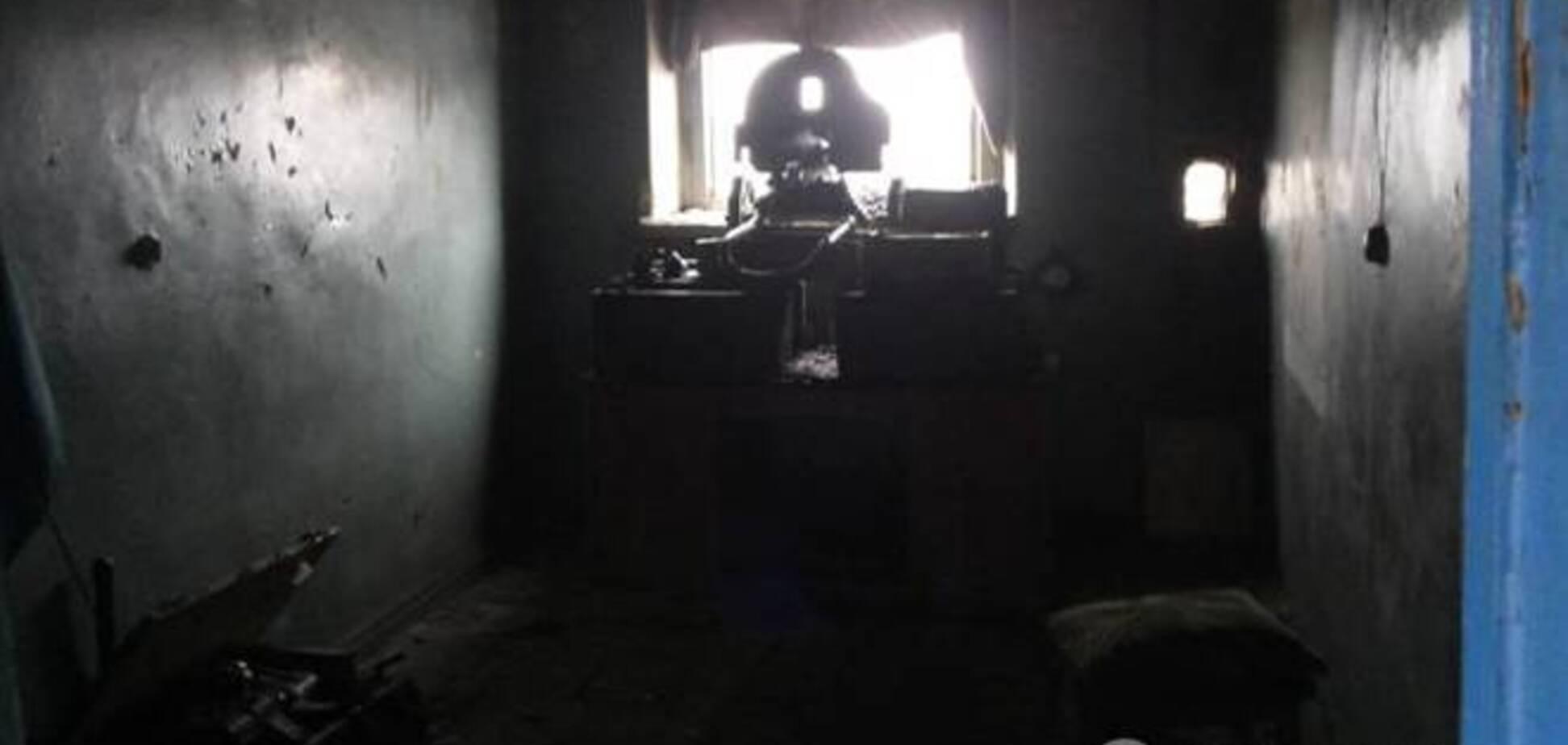 Бойцы 'Правого сектора' обороняют Пески с пулеметом Максим, которому сто лет. Фото