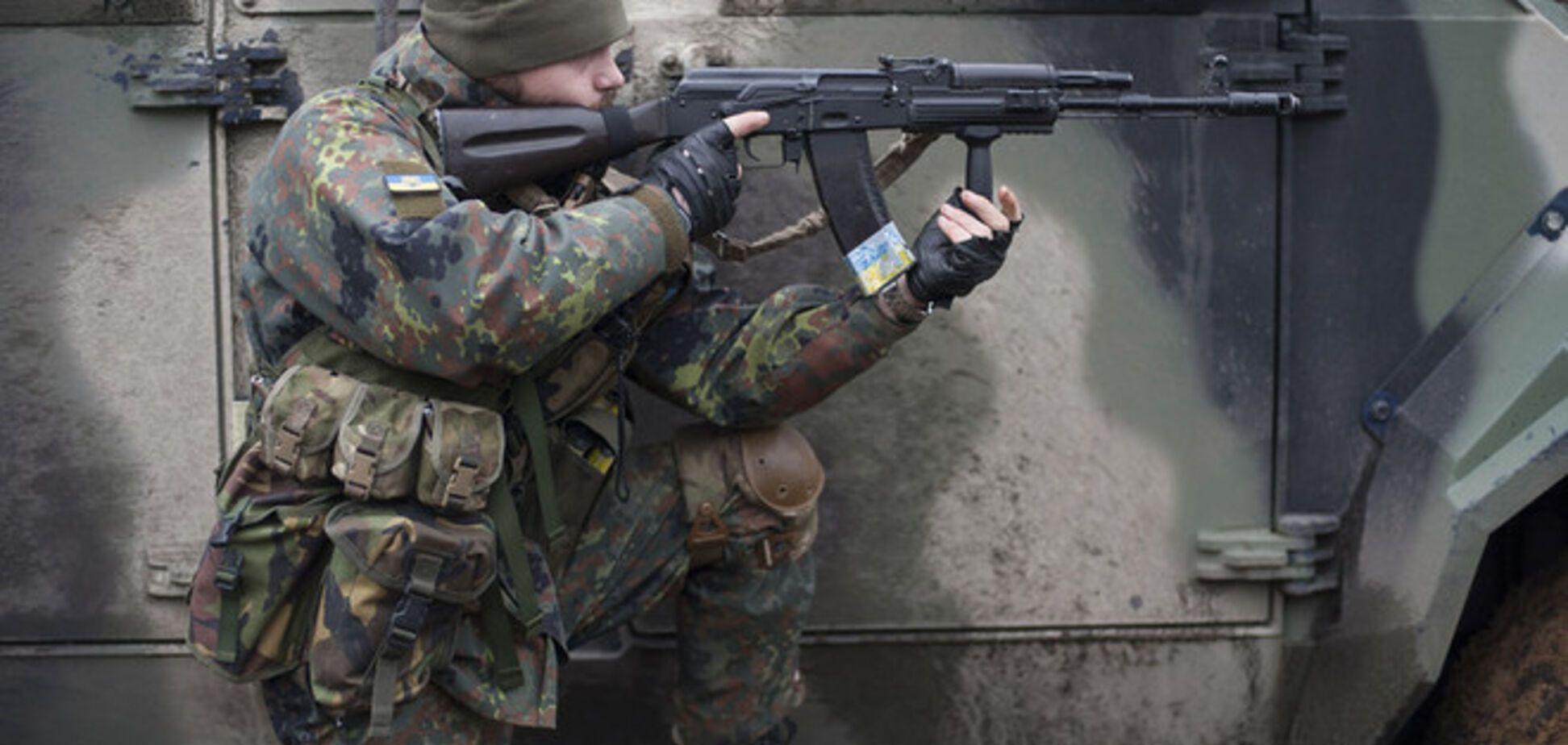 Украинские военные под минометными обстрелами удерживают позиции в Широкино
