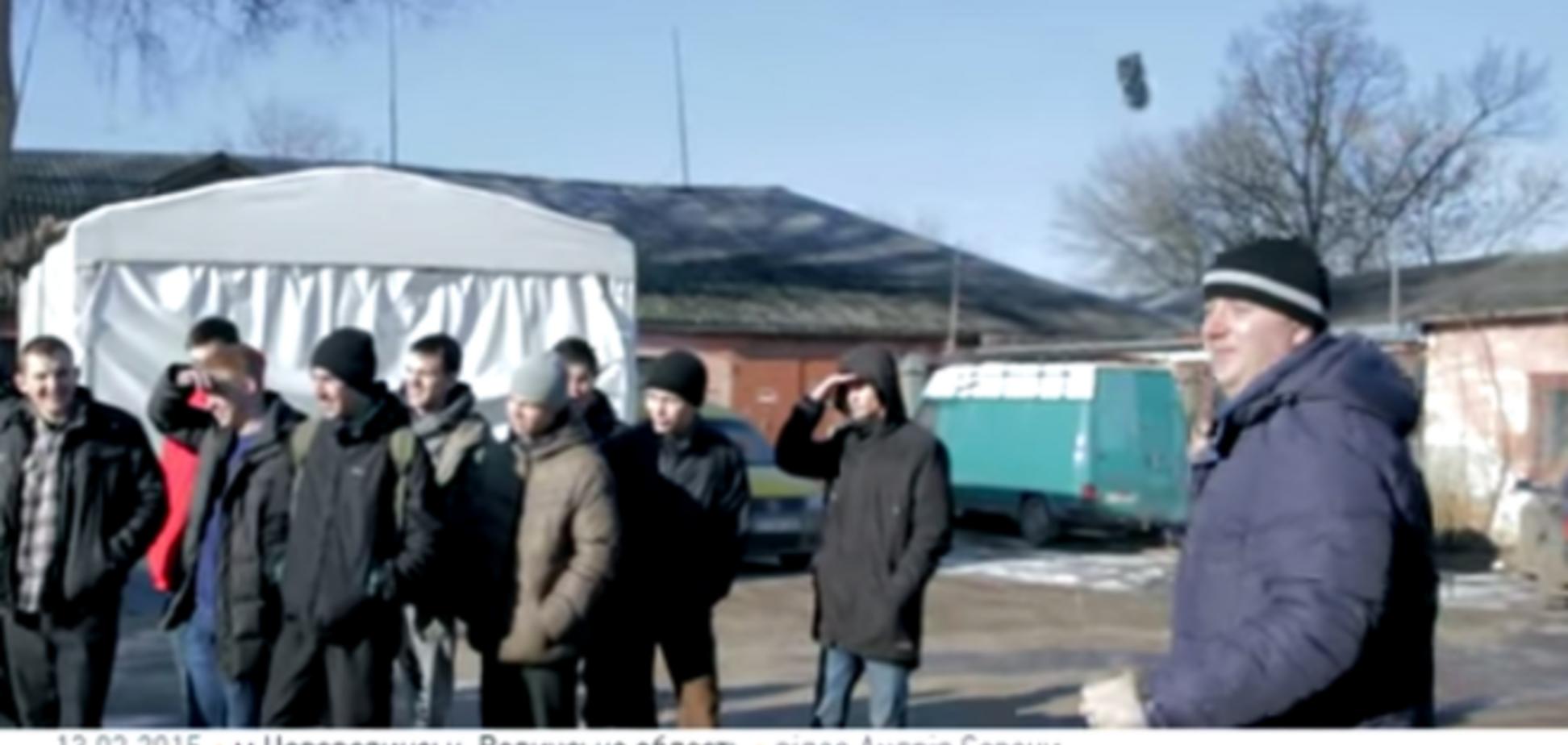 Украинские волонтеры разработали устройства, которые обезвреживают растяжки: видеофакт