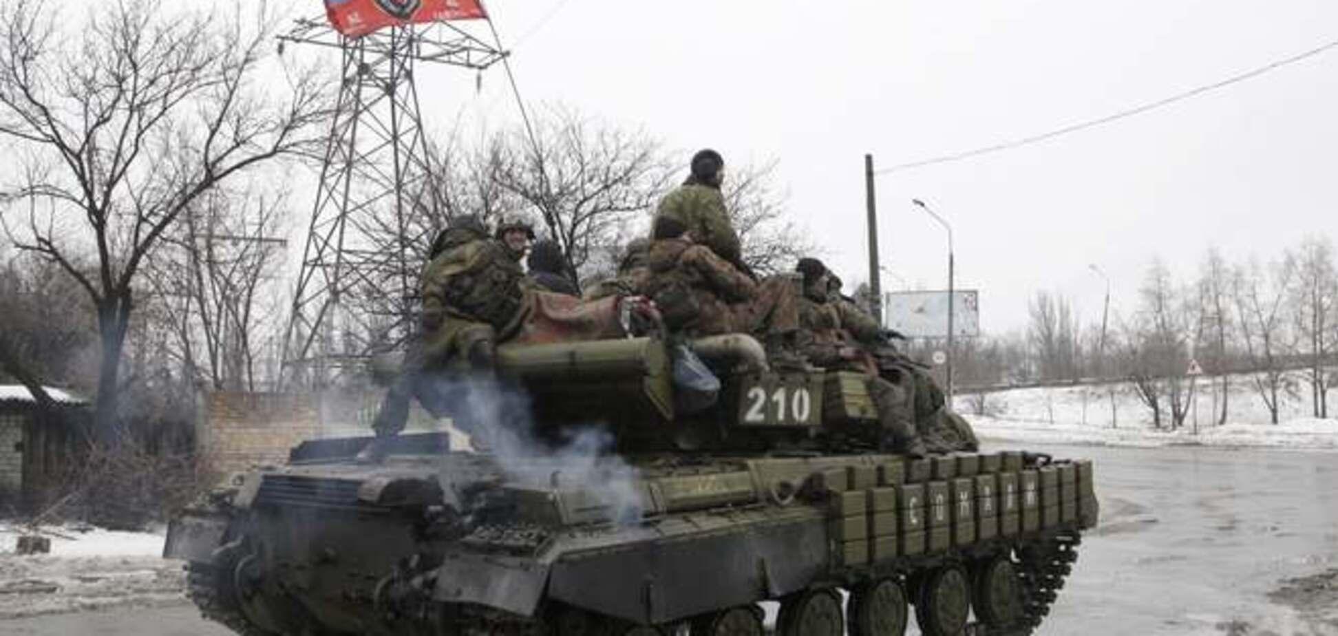 Из России на Донбасс зашли 20 танков, 10 САУ и 35 грузовиков с боеприпасами