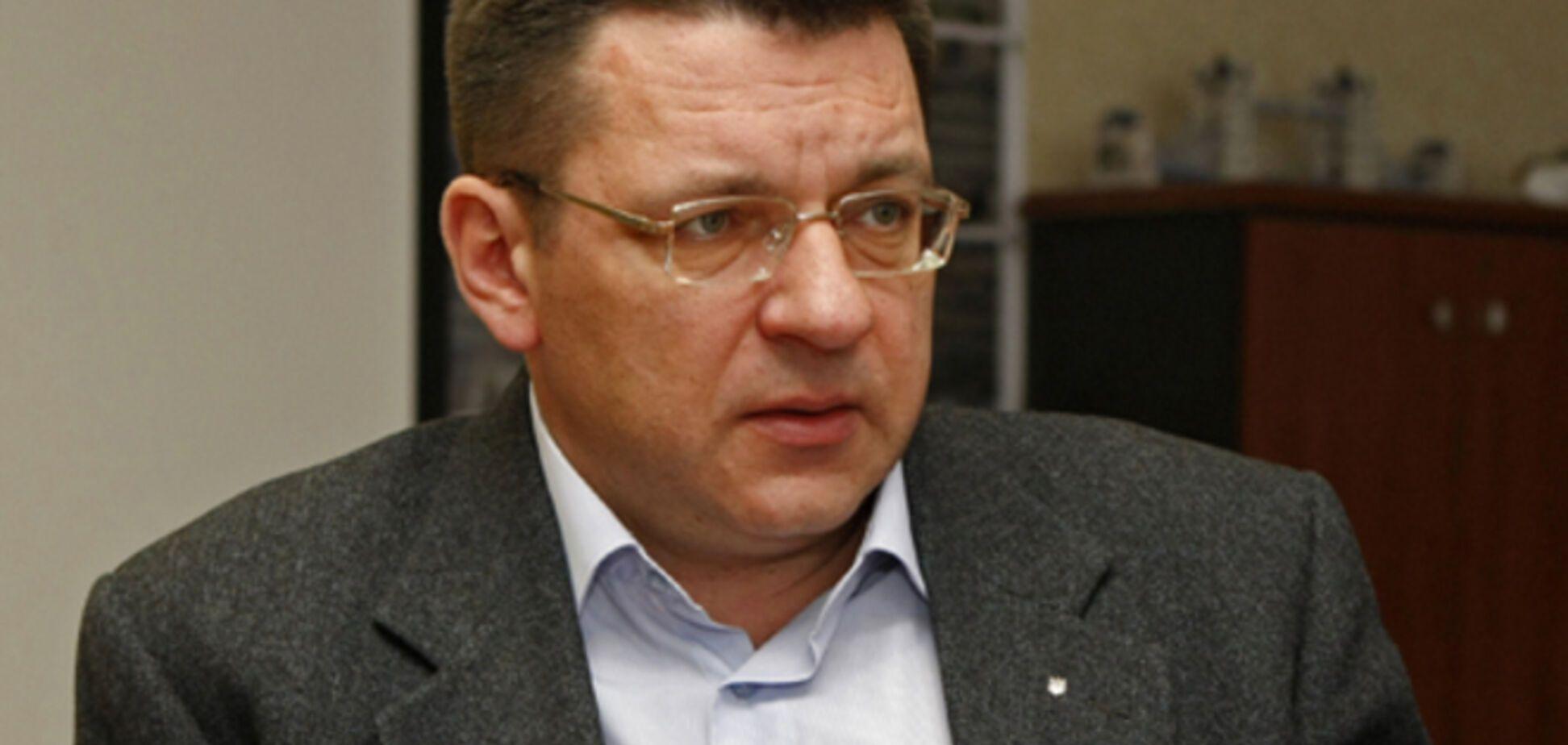 Взрыв возле дома Одарича: черкасский криминалитет 'убеждает' мэра не мешать нарушать закон