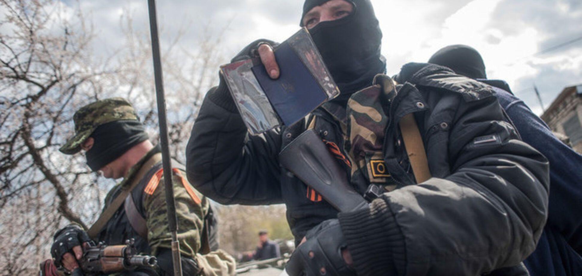 Боевики в Первомайске не пропускают граждан с украинской пропиской, пока за них не поручатся 2 человека
