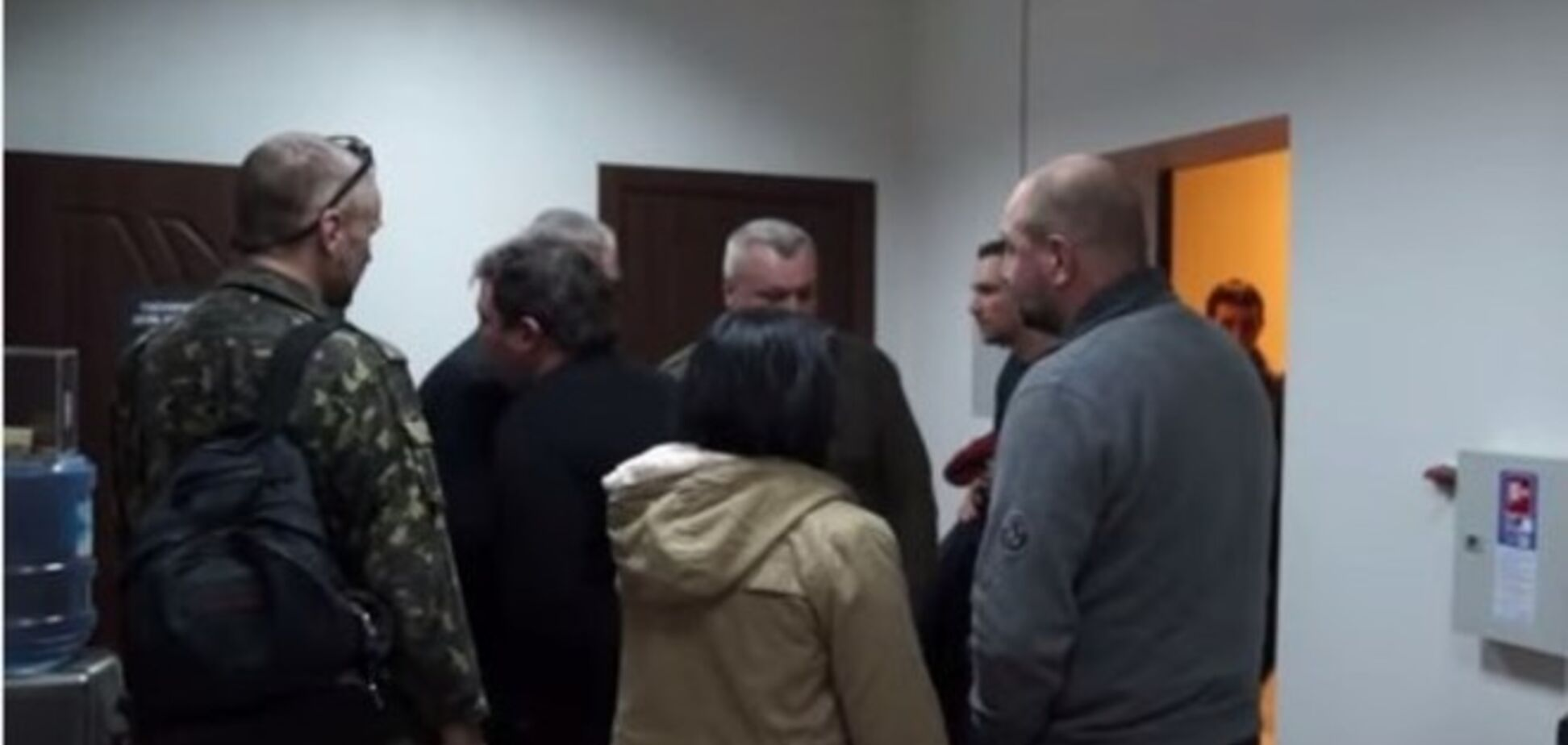 Экс-комбат Мельничук ударил раненого бойца после телеэфира: опубликовано видео