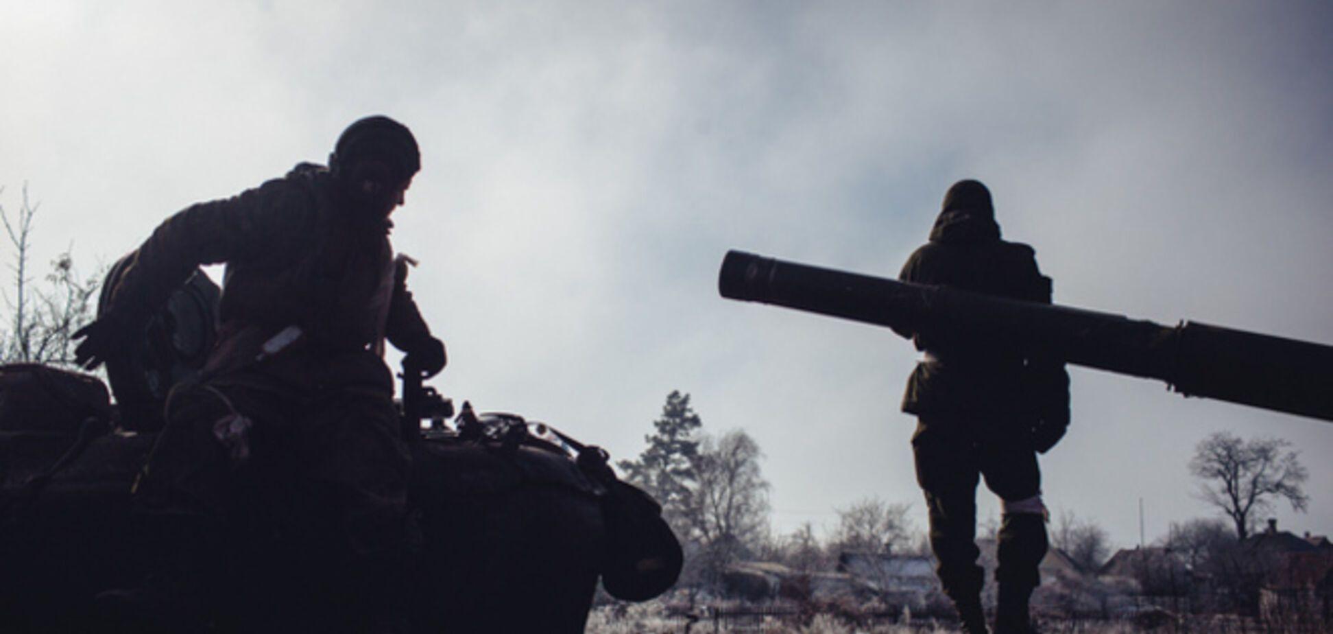 Боевики на Бахмутской трассе устраивают 'карусели' из вооружения