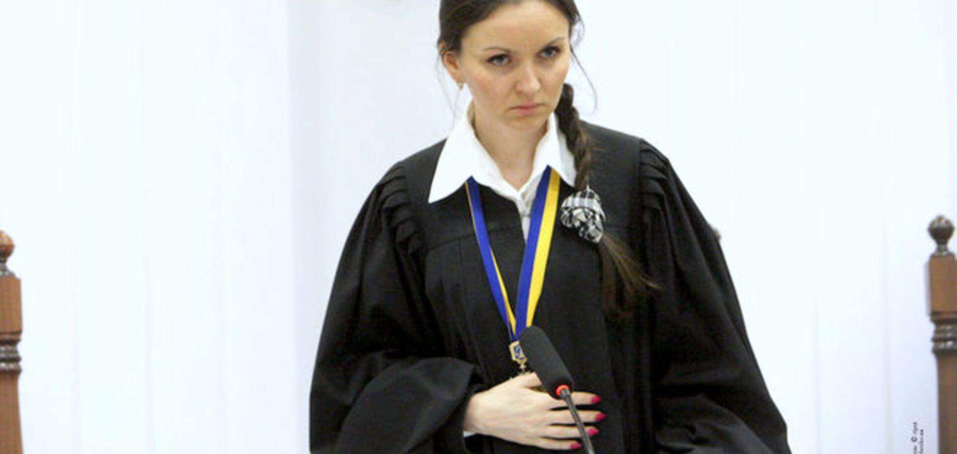 Судья объяснила, почему Ефремова опять отпустили