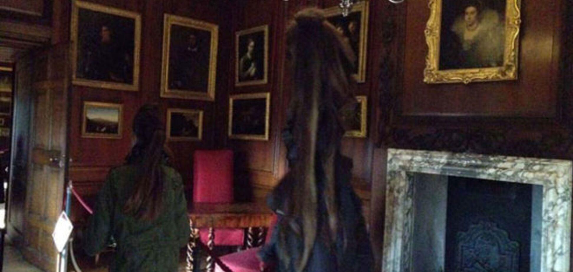 Школьница сняла на iPhone призрака в дворце Лондона: фотофакт