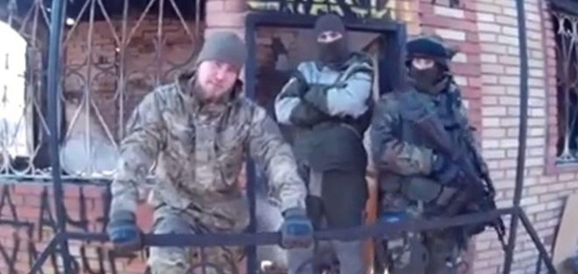 Бойцы 'Правого сектора' сожгли дачу Захарченко под Донецком: опубликовано видео