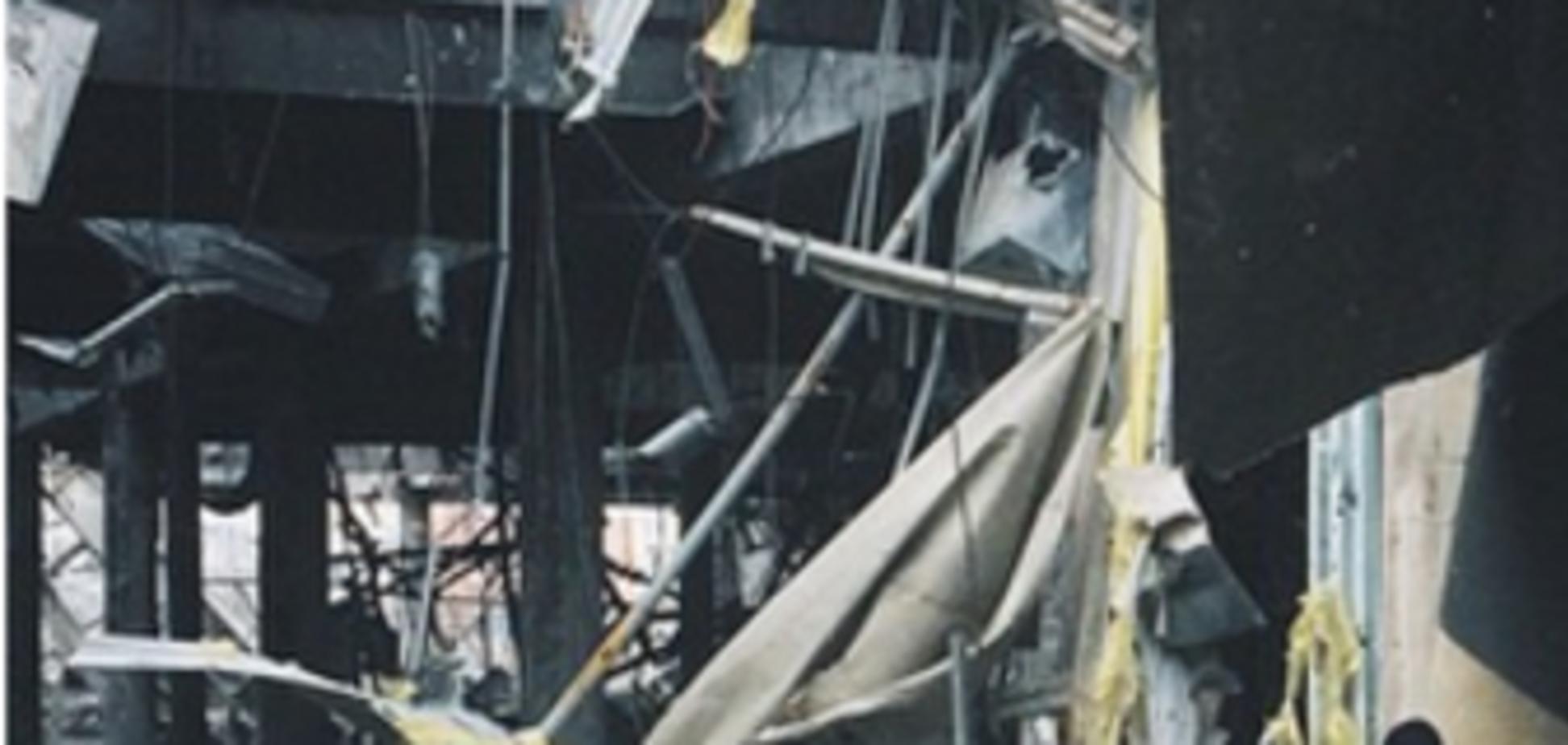 Террористы заставляют пленных 'киборгов' разбирать руины донецкого аэропорта: опубликованы фото