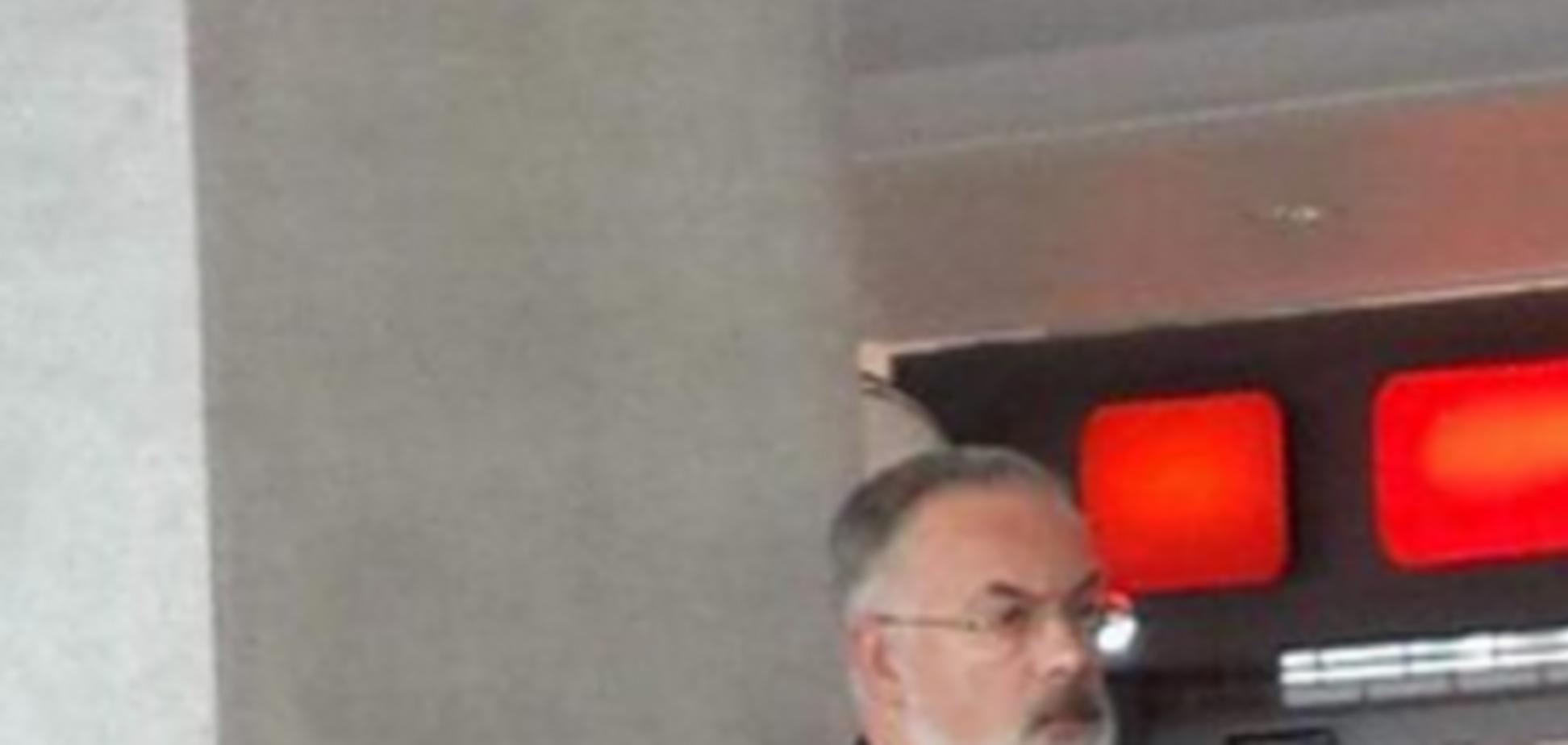 'Встретим?'. В соцсетях анонсировали прилет Табачника в Киев из Тель-Авива: фотофакт