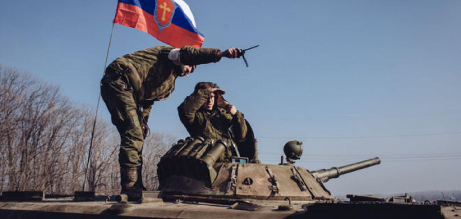 'Днем - туда, вечером – обратно': боевики 'отводят' технику из зоны АТО