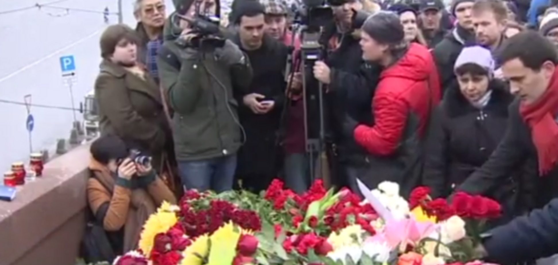 В Москве началась траурная акция в память о Немцове – онлайн-трансляция