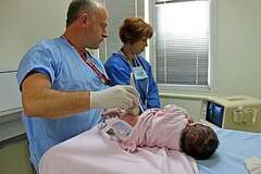 Как вовремя распознать и вылечить дисплазию тазобедренного сустава у ребенка?