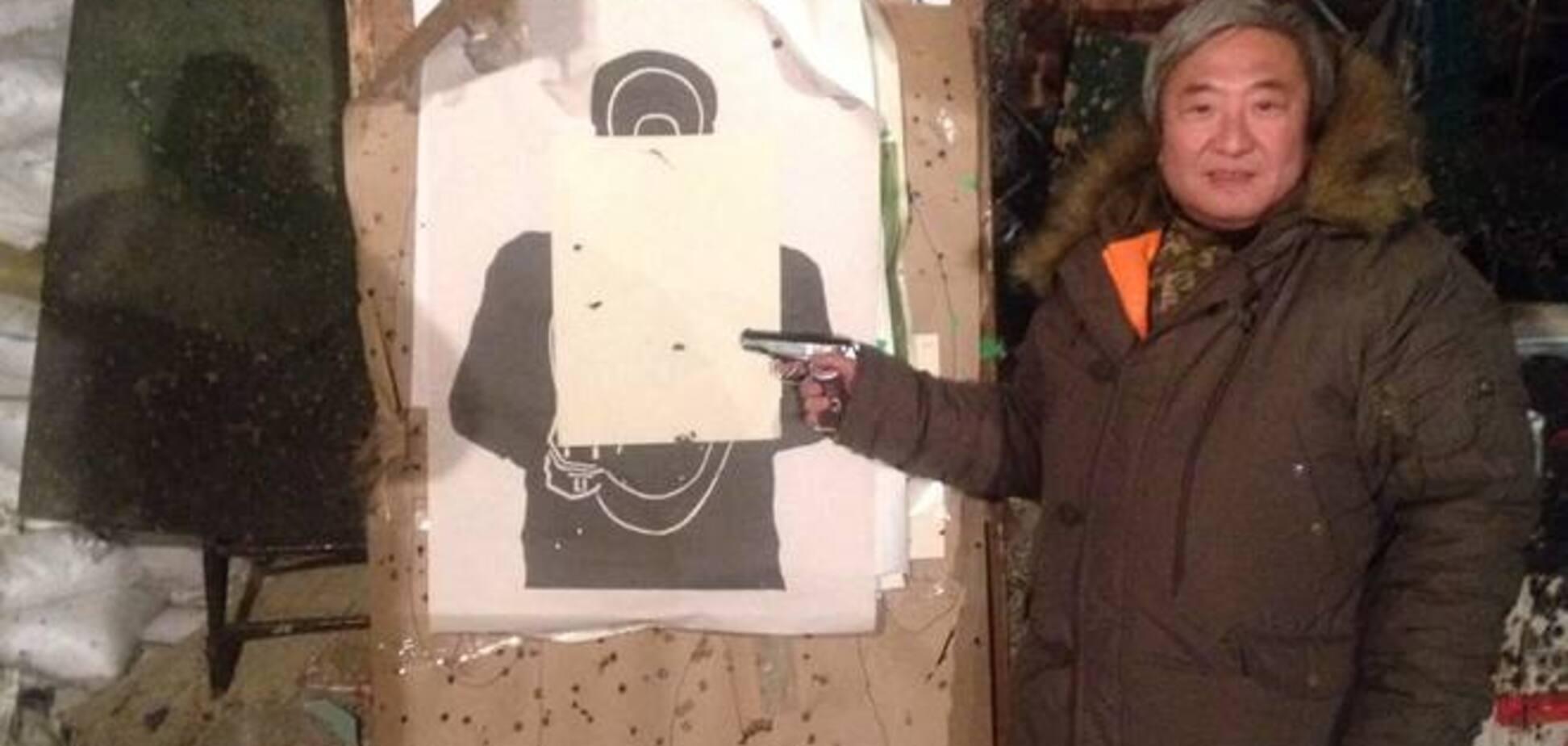 Мер Запоріжжя проводить відпустку в зоні АТО, поки його розшукує прокуратура: фотофакти