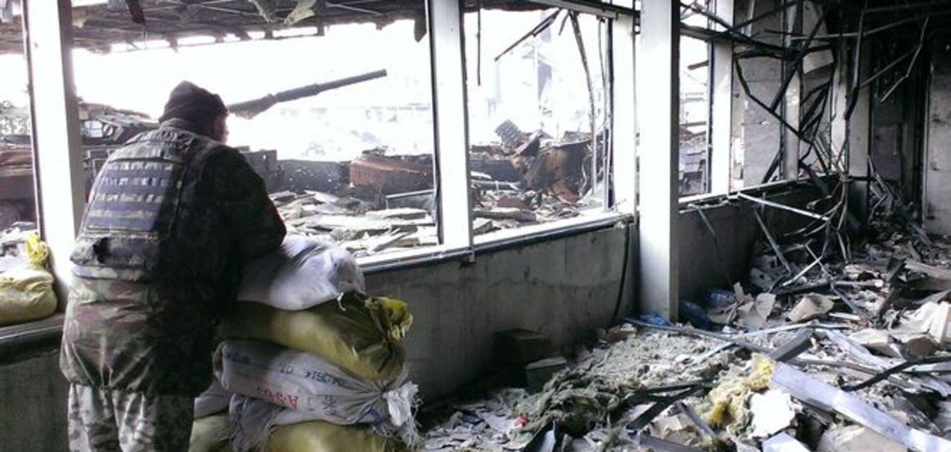 Террористы в районе донецкого аэропорта убили из гранатомета бойца АТО