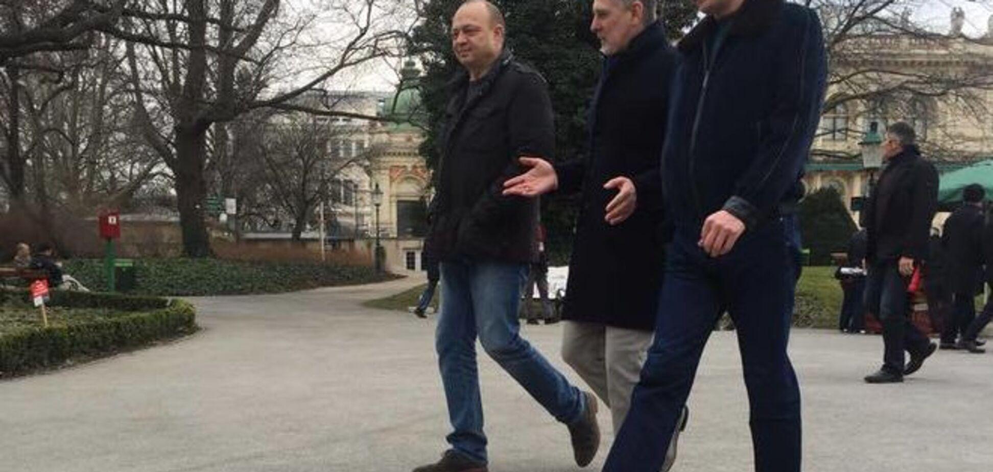Фирташ свободно прогулялся по Вене с депутатом от 'Оппозиционного блока': опубликованы фото