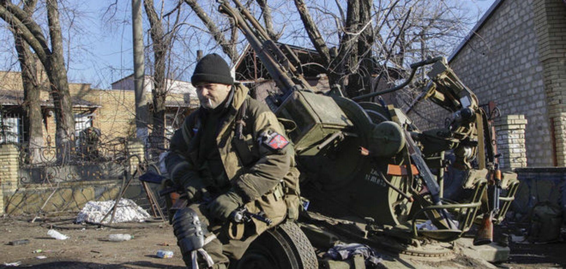 'Отвод' вооружения: боевики стреляют из минометов и 'Акаций'