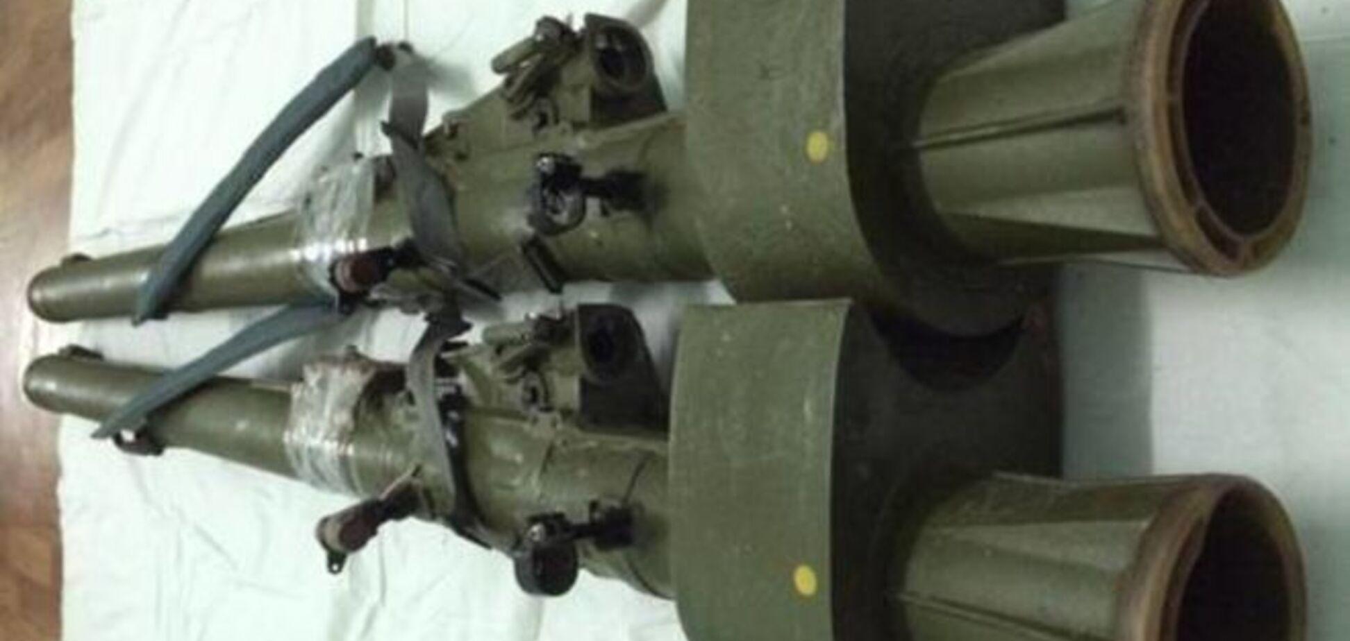 Украинские военные нашли тайники с оружием боевиков: фотофакты