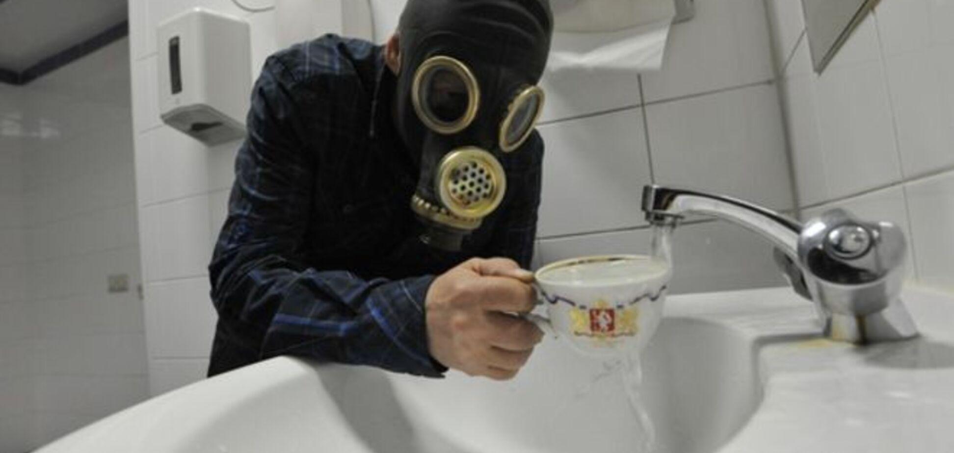 Жители Донецка в ужасе от мысли, почему из крана может идти 'гнилая' вода
