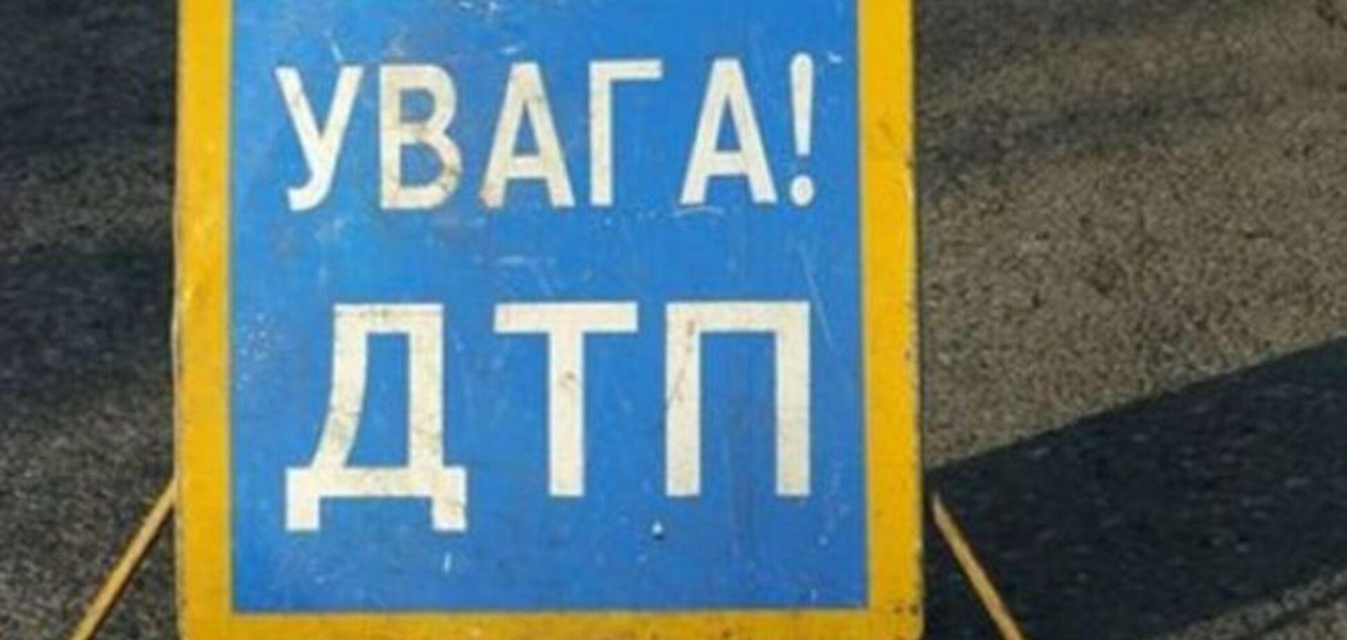На трассе 'Киев-Харьков' столкнулись грузовик и маршрутка: есть погибшие