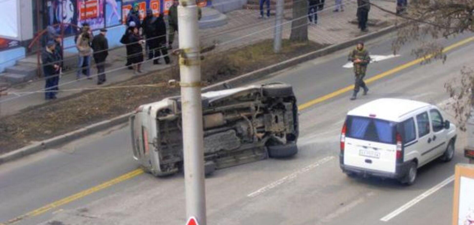 В центре Донецка в ДТП попало авто с боевиками - СМИ